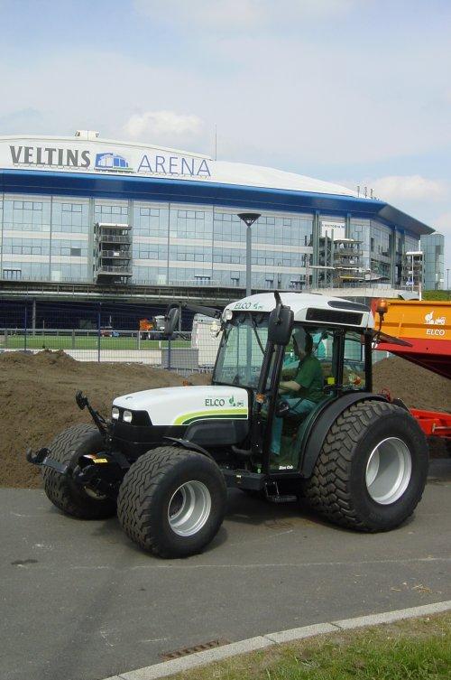 Foto van een New Holland TN 90 F.. Geplaatst door elcogemert op 13-01-2011 om 19:47:50, met 6 reacties.
