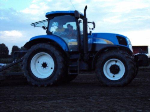 New Holland T 6000 Gen2 van tractor boy