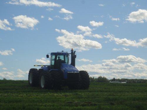 Foto van een New Holland TJ 380,. Geplaatst door Wilting NH op 07-08-2011 om 09:31:26, met 3 reacties.