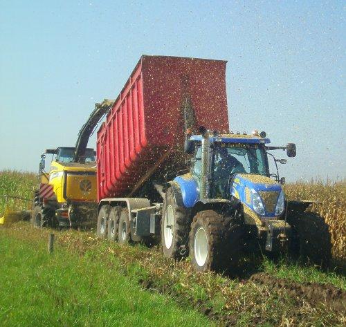 New Holland T 7040 van tractorquintentje