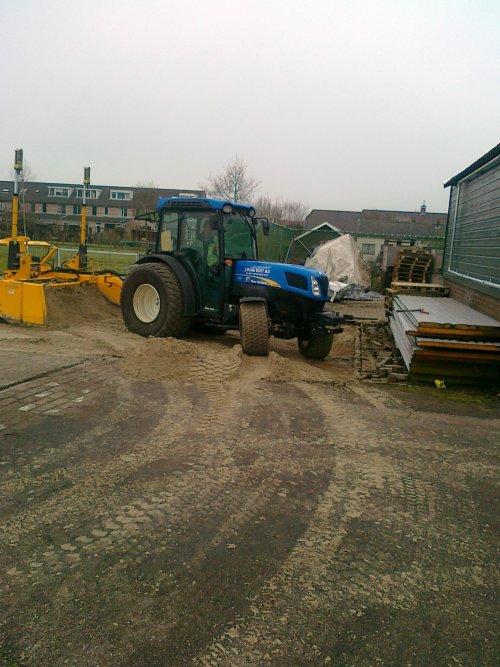 Foto van een New Holland Onbekend.. Geplaatst door RobDeutz104 op 29-02-2012 om 20:06:23, met 25 reacties.
