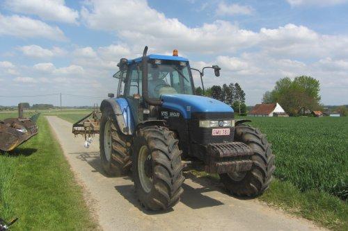 New Holland M 115 van tractorfreek