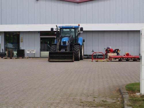New Holland T 6000 van manus