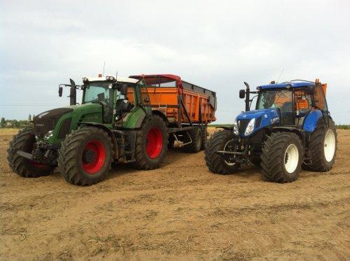 Foto van een New Holland T 7.270, bezig met voeren.. Geplaatst door timme936 op 23-11-2012 om 10:48:39, met 5 reacties.