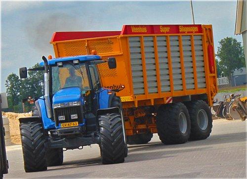 New Holland 8870 A van Postelfendt