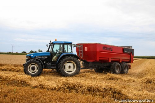 New Holland M 115 van tractorfreek