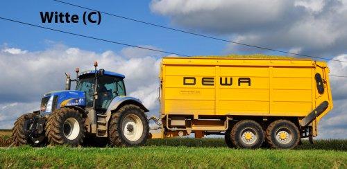 Loonwerken Jean Steenwinckels aan de gang met een van de 2 dikke New Hollands en Dewa wagens. (2012)