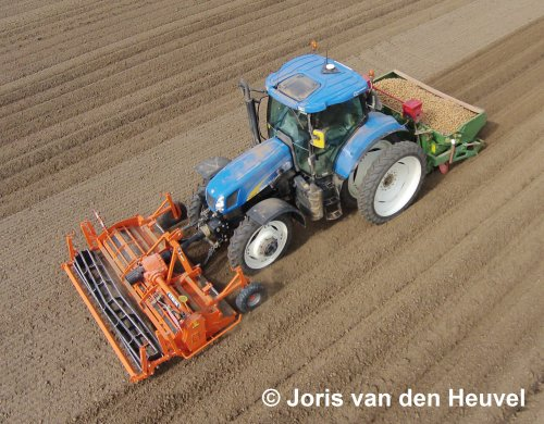New Holland T 6070 van joris