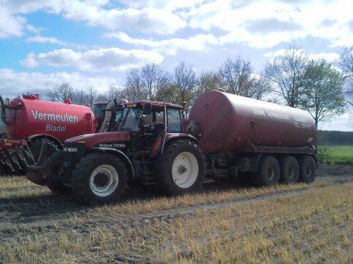Foto van een New Holland TM 165 Ultra.. Geplaatst door joost5000 op 13-07-2014 om 22:29:59, op TractorFan.nl - de nummer 1 tractor foto website.