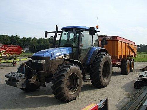 New Holland TM 130 van kletsmajoor