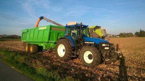 Foto van onze New Holland TM 165. Geplaatst door fiatmaarten op 06-01-2015 om 22:35:58, op TractorFan.nl - de nummer 1 tractor foto website.