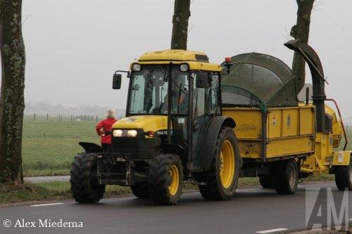 Foto van een New Holland TN-F.  Lijkt TN16F op de neus te staan?. Geplaatst door Alex Miedema op 20-01-2015 om 22:44:43, met 2 reacties.