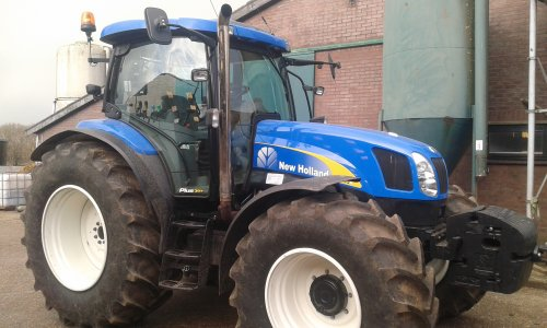 New Holland TS 135 A van massey6160