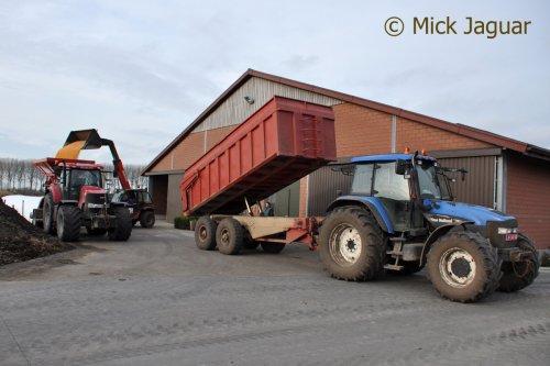 New Holland TM 155 met VDW/Record kipper, bezig met maisgraan te lossen.. Geplaatst door Mick Jaguar op 17-02-2015 om 20:33:19, op TractorFan.nl - de nummer 1 tractor foto website.
