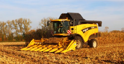 New Holland CX 780 van cat 330d