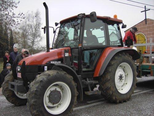 new holland in zichem op de carnaval. Geplaatst door johndeerefendtfan op 24-12-2007 om 02:12:12, met 8 reacties.