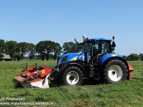 New Holland T 6050  van JohanNunspeetElspeet