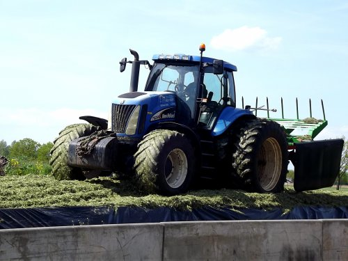 New Holland TG 255 van pekkerietfan