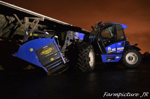 Meer op;https://www.facebook.com/Farmpicture-JR-1586100788327877/. Geplaatst door Jan Ramon op 30-11-2015 om 21:10:56, op TractorFan.nl - de nummer 1 tractor foto website.