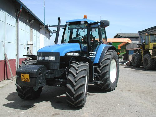 New Holland TM 165 van paul