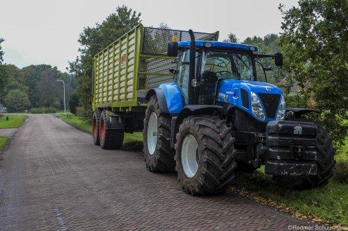 Foto van een New Holland T 7.220 van Middelbrink BV.. Geplaatst door Redmerr op 26-02-2016 om 11:47:14, op TractorFan.nl - de nummer 1 tractor foto website.
