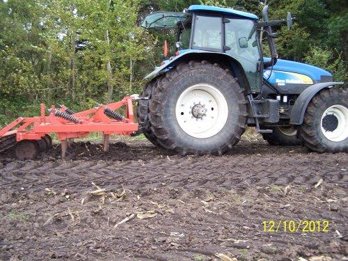 Foto van een New Holland TM 175. Geplaatst door dikketrekker op 15-03-2016 om 16:49:18, op TractorFan.nl - de nummer 1 tractor foto website.