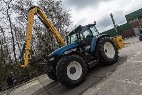 Picture New Holland TM 115