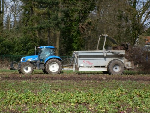 New Holland T 6030 van XC 70