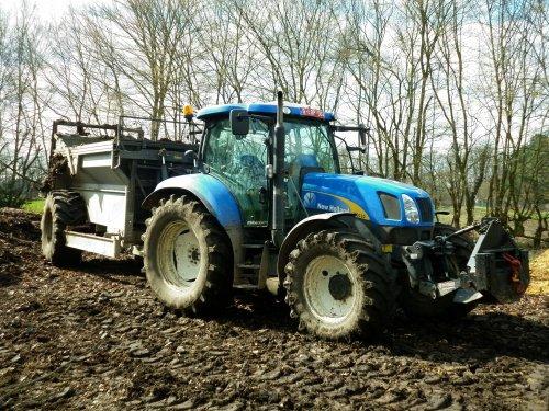 New Holland T 6030 van XC 70