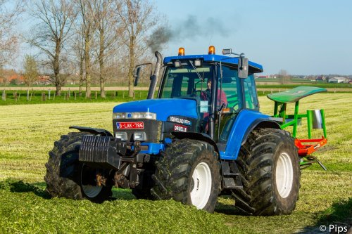 New Holland 8970 A van pips