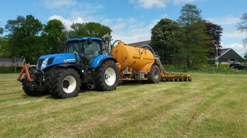 Foto van een New Holland T 7.220. Geplaatst door cb6520 op 14-05-2016 om 21:27:37, op TractorFan.nl - de nummer 1 tractor foto website.