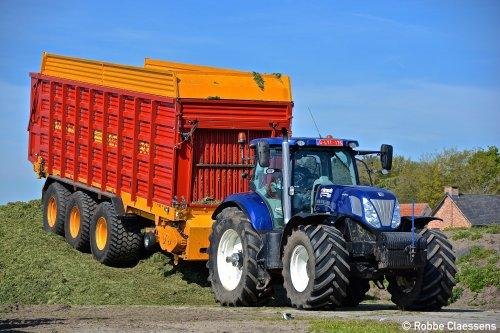 New Holland T 7.220 van robbe-claessens