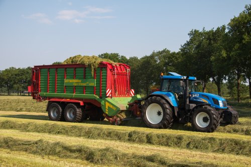 New Holland TVT 145
