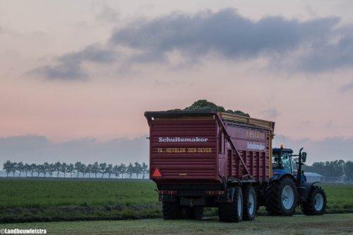 Loonbedrijf Heyblok met New Holland T7.220 en Schuitemaker Siwa 720   Video link https://www.youtube.com/watch?v=HZLGR2P135M