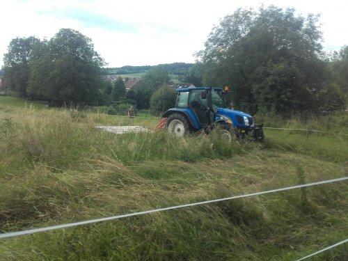 Foto van een New Holland T 5050. Geplaatst door FiatPeter op 04-07-2016 om 23:01:11, op TractorFan.nl - de nummer 1 tractor foto website.