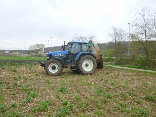 Foto van een New Holland TM 190. Geplaatst door snoeckxt op 19-07-2016 om 10:16:13, op TractorFan.nl - de nummer 1 tractor foto website.