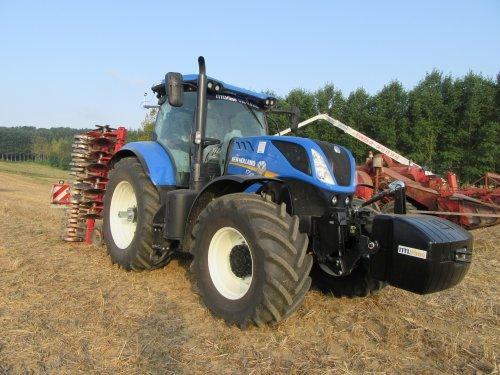 Foto van een New Holland T 7.245. Geplaatst door erik9831 op 02-09-2016 om 20:14:25, op TractorFan.nl - de nummer 1 tractor foto website.