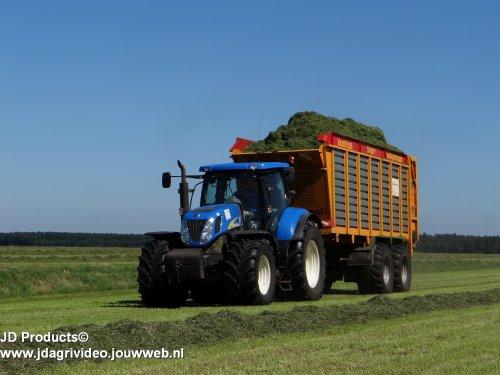 New Holland T 7000 van JohanNunspeetElspeet