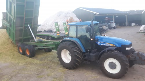 New Holland 8360 van mini loonwarker