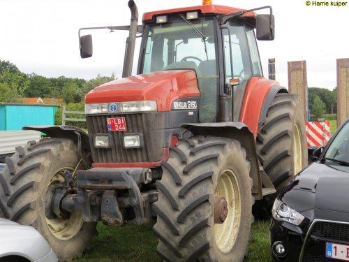 Foto van een New Holland G 190 , 11-09-2016 opendeurdag bij de smouffelbeekhoeve in Donk.. Geplaatst door oldtimergek op 14-10-2016 om 12:10:10, op TractorFan.nl - de nummer 1 tractor foto website.