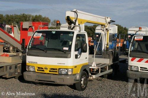 Foto van een Nissan Cabstar, opgebouwd als hoogwerker.. Geplaatst door Alex Miedema op 26-09-2014 om 17:58:30, op TractorFan.nl - de nummer 1 tractor foto website.