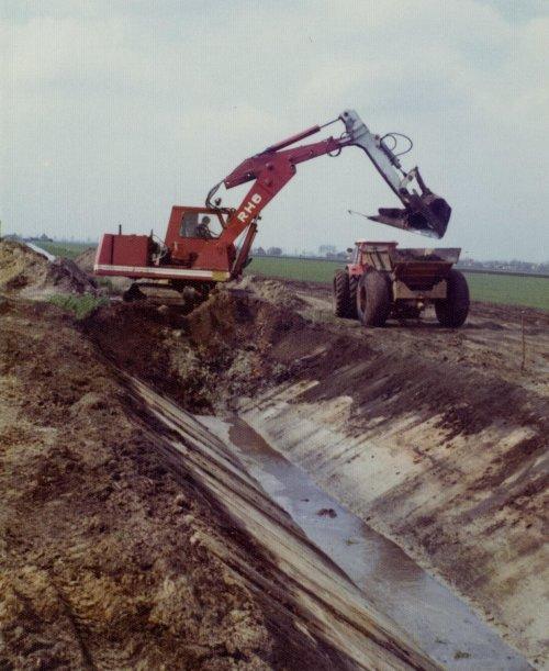 O&K RH 6 van newholland-