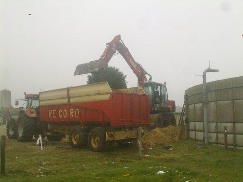 Foto van een O&K MH city. voila alles de kar in :D. Geplaatst door casexl956 op 30-12-2010 om 12:11:40, op TractorFan.nl - de nummer 1 tractor foto website.