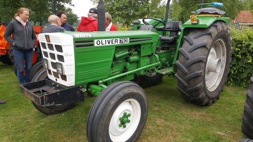 Oliver 782