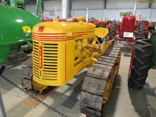 Foto van een Oliver OC3 crawler  ,Canadian Tractor museum in Westlock ( Alberta ). Geplaatst door oldtimergek op 09-08-2017 om 10:31:08, op TractorFan.nl - de nummer 1 tractor foto website.