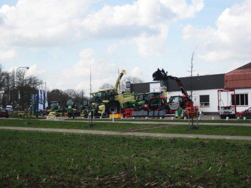 Foto van een Onbekend meerdere (diverse merken). Geplaatst door jordi 1455 op 19-04-2018 om 22:37:08, op TractorFan.nl - de nummer 1 tractor foto website.