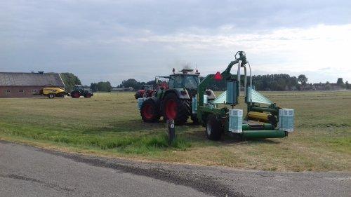 Gebr. Blankespoor (Harskamp) × op de foto met een fendt 724 en fendt 916. Geplaatst door g-g op 11-07-2018 om 22:56:36, op TractorFan.nl - de nummer 1 tractor foto website.
