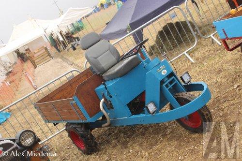 Foto van een Bonser D, opgebouwd als open laadbak.. Geplaatst door Alex Miedema op 27-02-2019 om 18:46:58, op TractorFan.nl - de nummer 1 tractor foto website.
