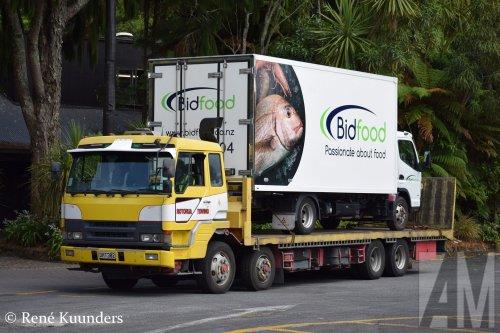 Op deze foto staat Bidfood (vh Bidvest Deli XL) (Ede) × met een Onbekend Vrachtwagen, opgebouwd voor speciaal transport.