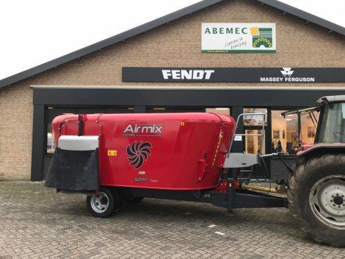 Airmix Future 12m3 getrokken voermengwagen. Geplaatst door fendth op 30-05-2019 om 21:30:58, op TractorFan.nl - de nummer 1 tractor foto website.
